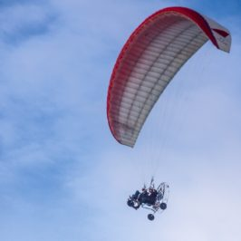 Photo of the Day: Happy paragliding