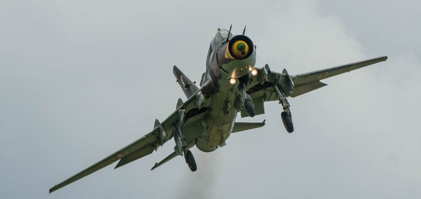 Photo of the day: SU-22 just before landing