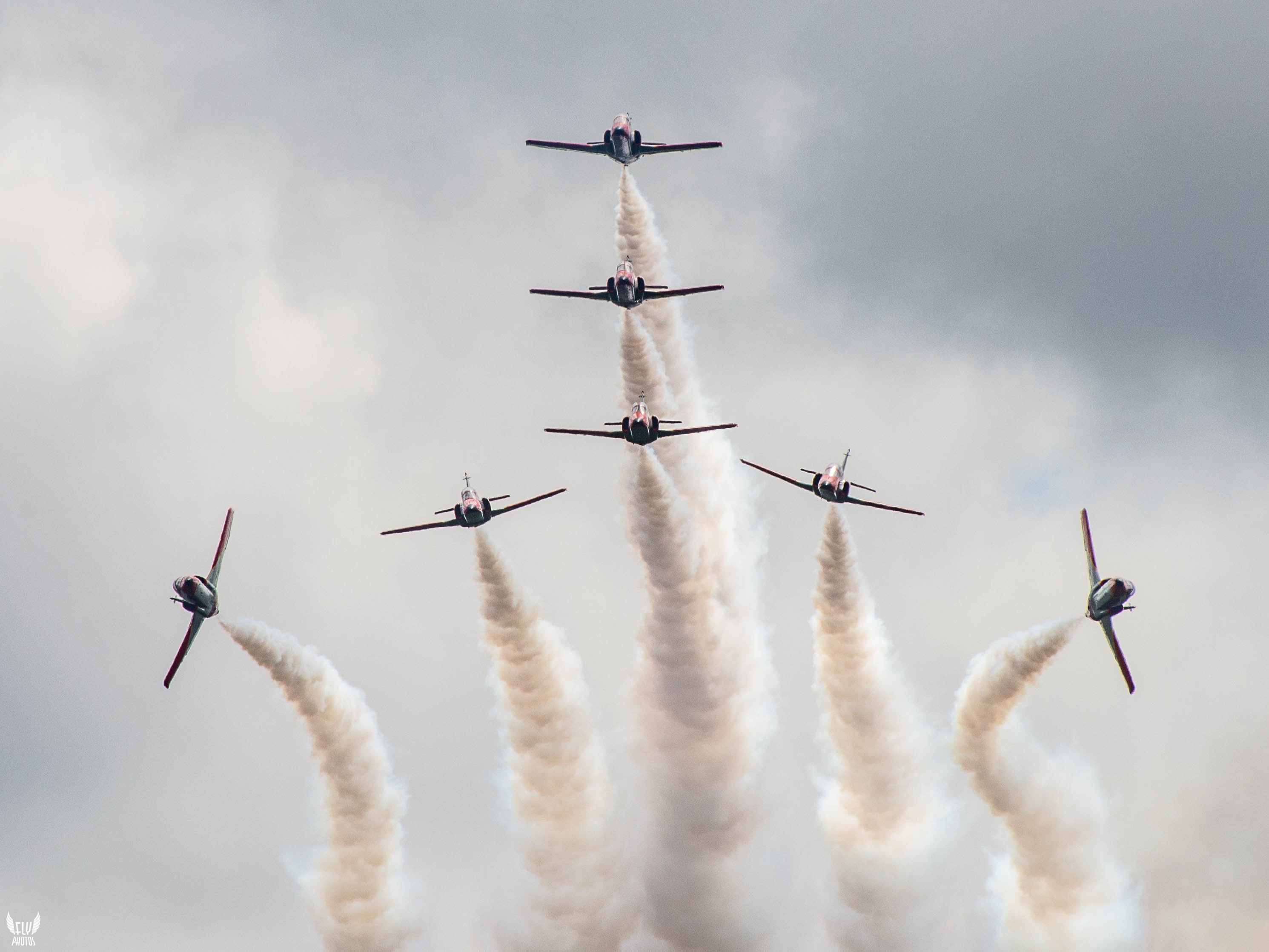 Photo of the day: Patrulla Aguilla split