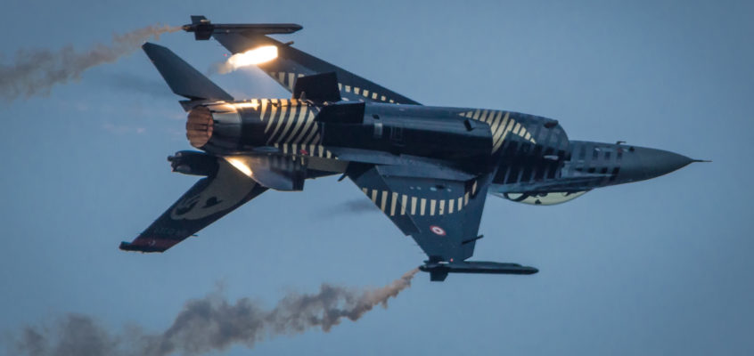 Photo of the Day: Solo Turk flares for Monday