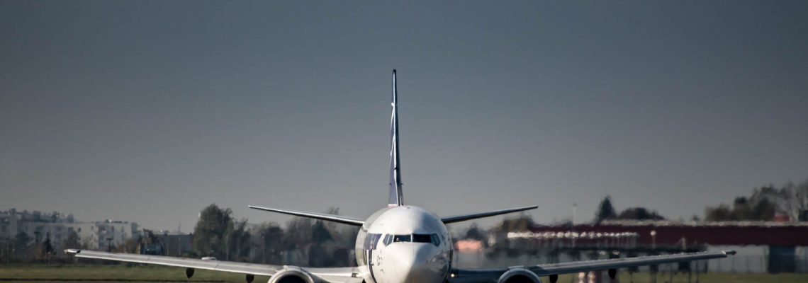 Photo of the day: PLL LOT Boeing 737 on a TWY