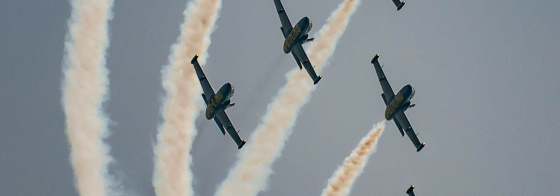 Photo of the day: Breitling Jet Team in Berlin