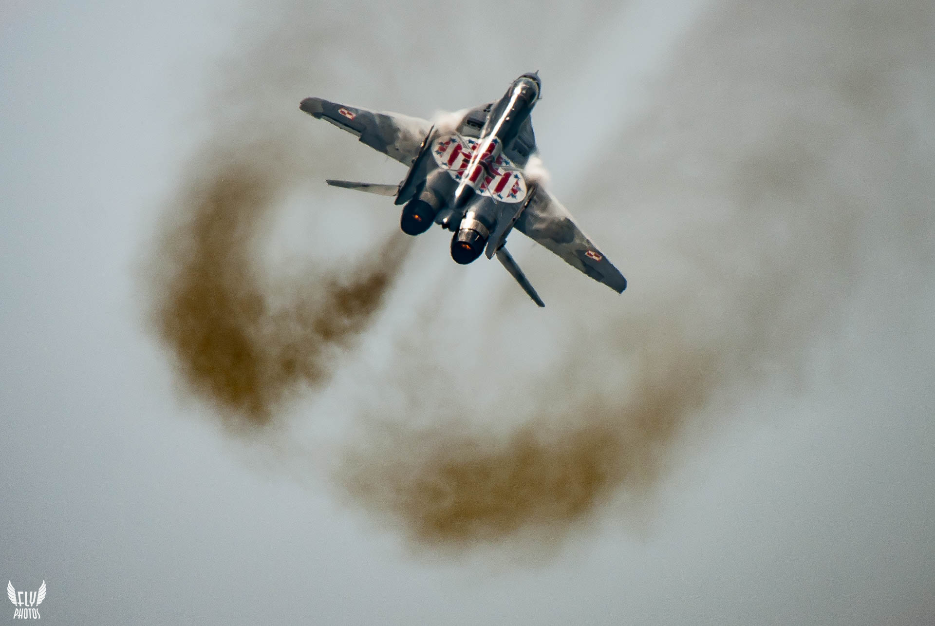 Photo of the day: Smokin' hot Fulcrum