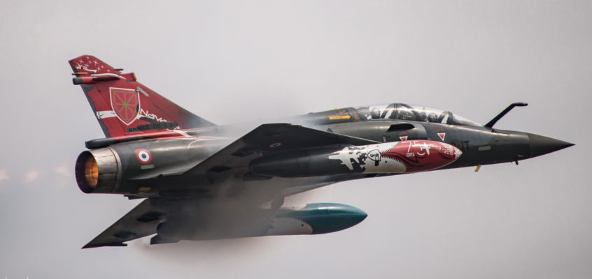 Photo of the day: Couteau Delta quick flyby